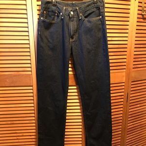 Levi Strauss 514 w the Dark Blue Jeans